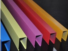 木纹铝方通是如何加工而成的?